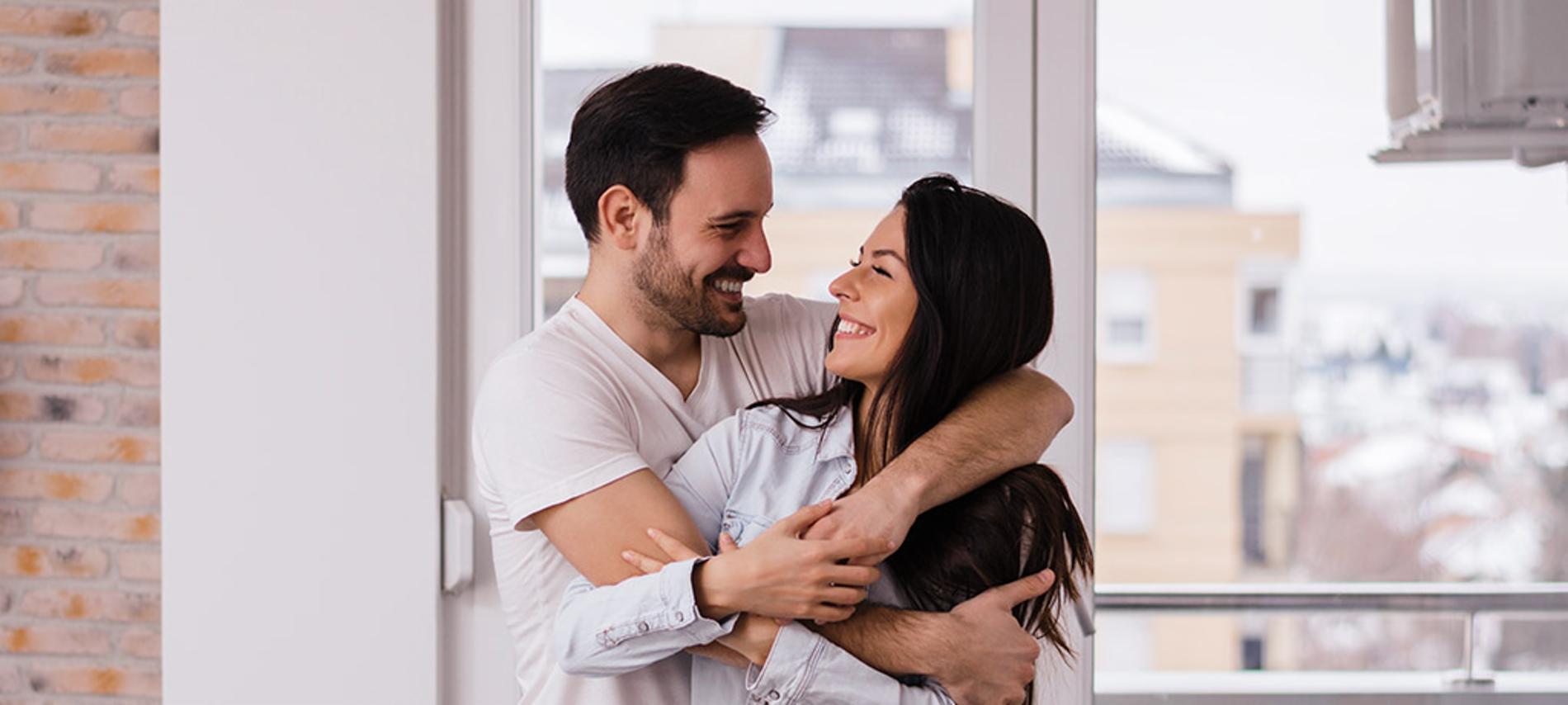 consejos-para-vivir-feliz-en-pareja-1900Wx500H?context=bWFzdGVyfGltYWdlc3wxMDgxNzl8aW1hZ2UvanBlZ3xoM